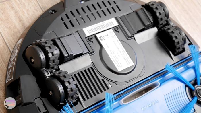 Philips-SmartPro-Compact-Robot-Vacuum-Cleaner-FC8776-09
