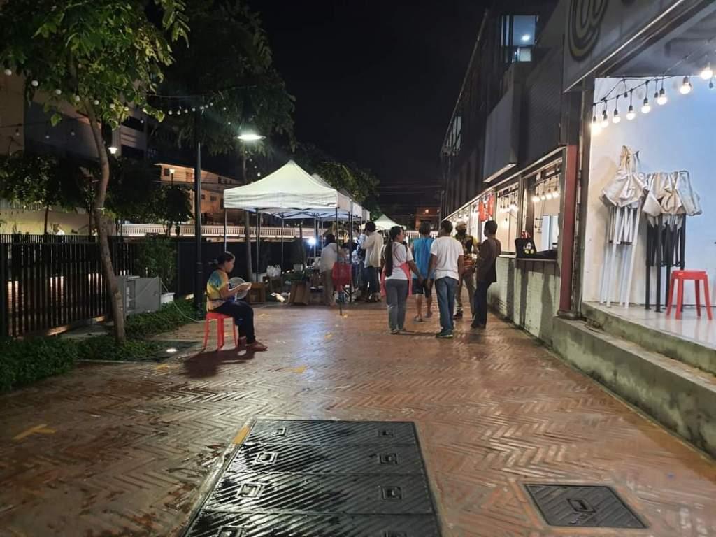 เดินเล่นถนนคนเดินคลองโอ่งอ่าง พิกัดใหม่ ในย่านเก่าแก่หลายร้อยปี pantip wongnai พันทิป วงใน ชลไปไหน chillpainai